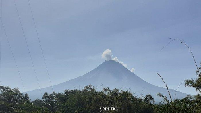 Siang Tadi, Gunung Merapi Luncurkan Awan Panas