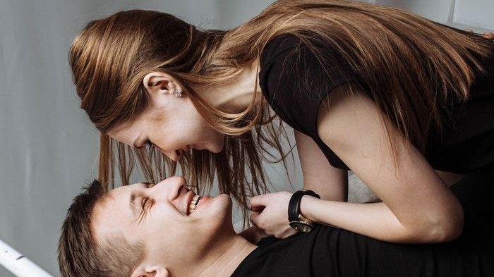 Dari Kemoceng Hingga Mesin Cuci Ternyata Bisa Bikin Pasangan Lebih Bergairah untuk Bercinta