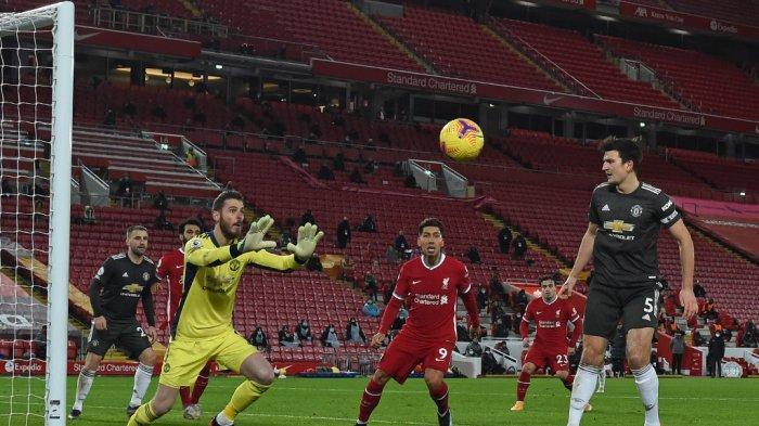 David de Gea dan Harry Maguire di Liga Premier Inggris Liverpool vs Manchester United di Anfield di Liverpool, Inggris pada 17 Januari 2021.