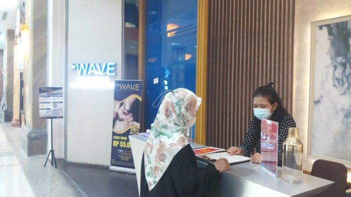de Wave Therapy and Reflexologi Layani Pengunjung dengan Prokes Ketat di Masa Pandemi