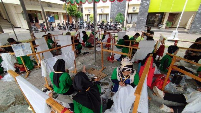 Dekranasda DIY dan BDI YogakartaGelar Diklat Pembuatan Batik Tulis untuk Millennial