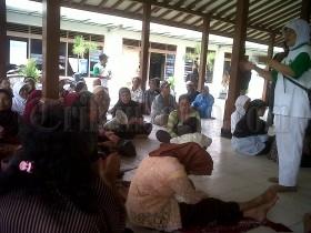 Tuntutan Belum Terpenuhi Pedagang Pasar Kolombo Nyanyi