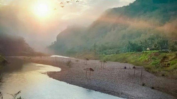 TRIBUNJOGJAWIKI : Desa Wisata Sriharjo Bantul, Panorama Indah Destinasi Wisata di Lembah Sungai Oya