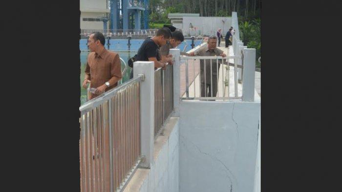 Dewan Soroti Keretakan Dinding Bangunan Samapta Aquatic Sport Center Sanden Kota Magelang