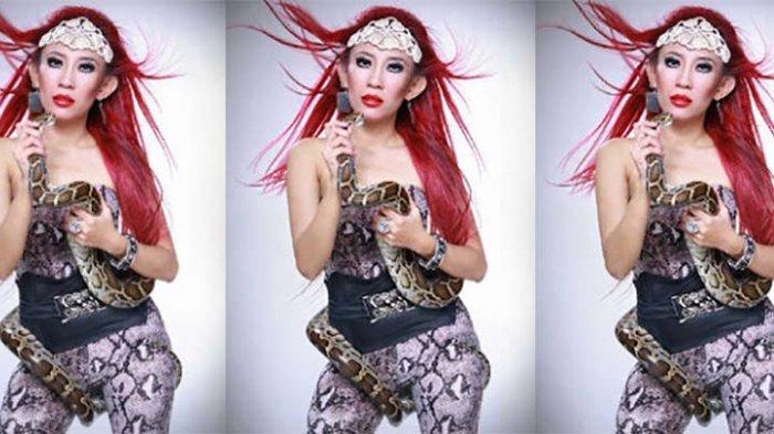 Dewi Sanca Kembali Pamer Perhiasan Lagi, Netizen: Dari Google Lagi