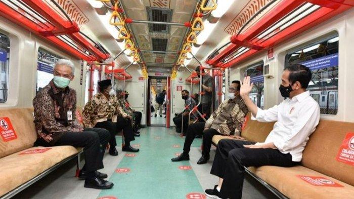 Didampingi Sri Sultan Hamengku Buwono X dan Ganjar, Presiden Jokowi Jajal KRL Yogyakarta-Solo