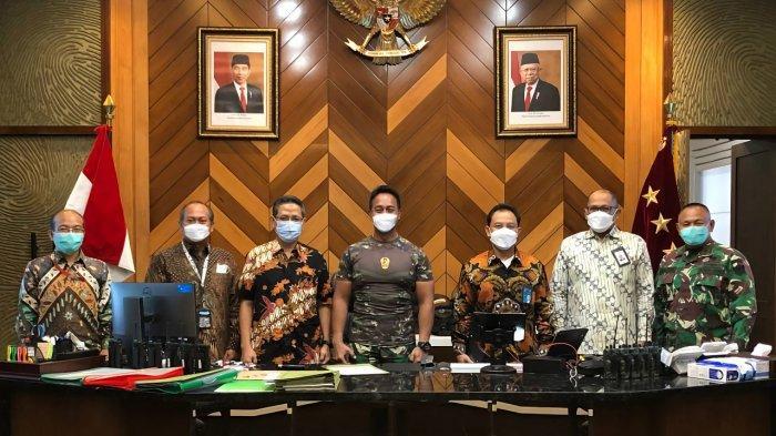 Jajaran Direksi Telkom Silaturahmi ke KSAD Kenalkan Teknologi Satellite on The Move untuk Dukung TNI