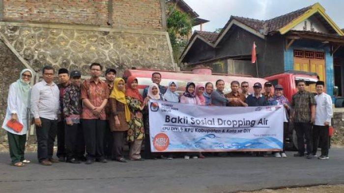 KPU DIY dan KPU Kabupaten Kota Distribusikan 19 Tangki Air ke Gunungkidul