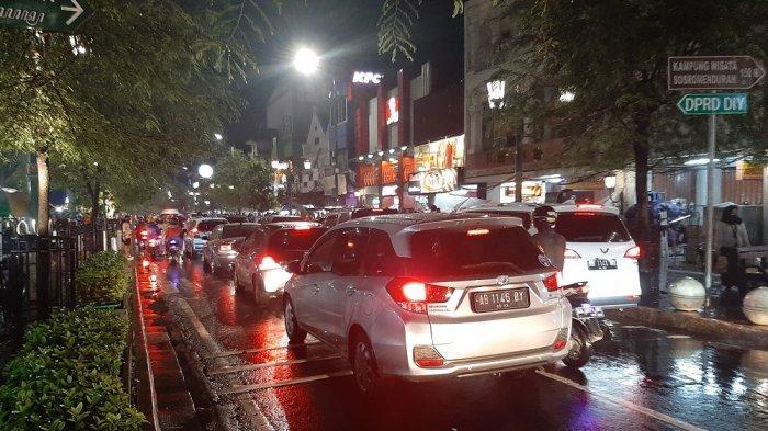 Kerumunan Massa di Malioboro dan Titik Nol Kilometer saat Malam Tahun Baru, Ini Jawaban Satpol PP