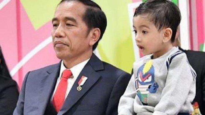 Ekspresi Menggemaskan Jan Ethes saat Temani Jokowi di Upacara Pembukaan Asian Para Games 2018