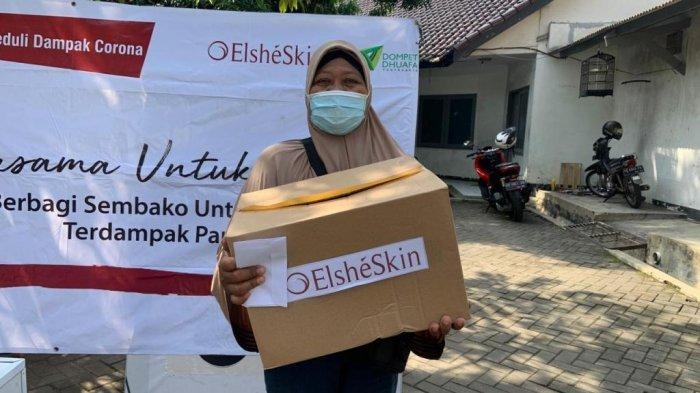 Elshe Skin dan Dompet Dhuafa Berikan 50 Paket Sembako dan Uang untuk Loper Koran DI Yogyakarta