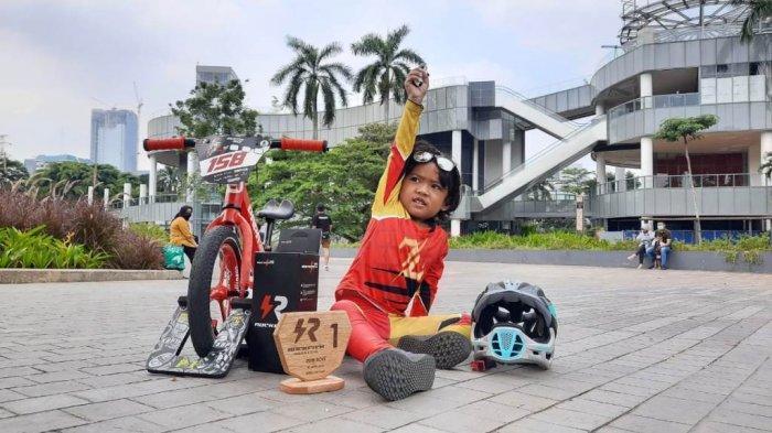 Elzora Gemintang, Pushbiker dari Yogyakarta Juara di Ibu Kota