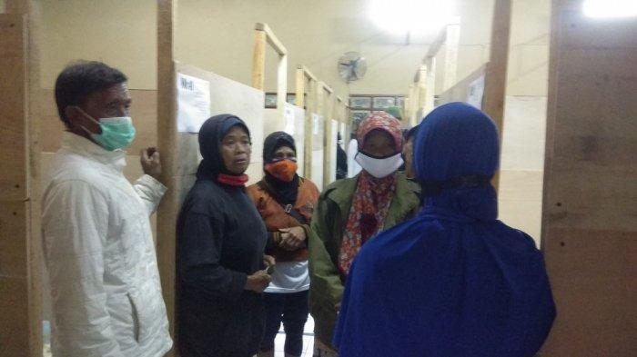 ERUPSI Gunung Merapi, Warga Turgo Mengungsi di Tengah Rinai Hujan