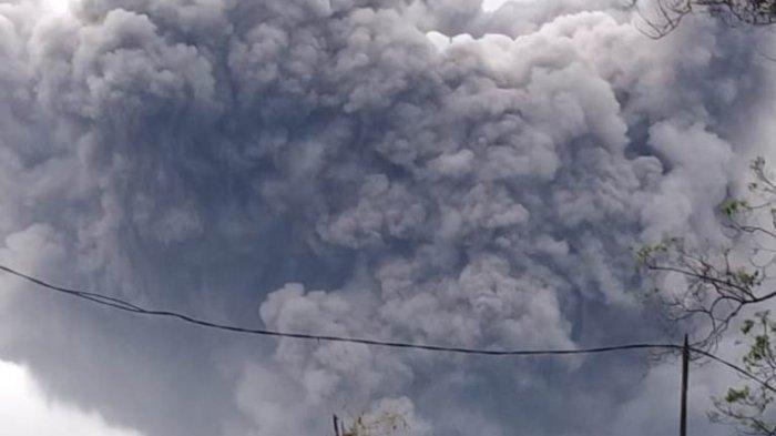 Berikut Foto Erupsi Gunung Semeru Terkini Hasilkan Awan Panas Guguran Meluncur Hingga 4 5 Kilometer Tribun Jogja