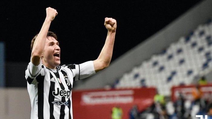 Selebrasi Federico Chiesa seusai mencetak gol ke gawang Atalanta pada final Coppa Italia 2020/2021.