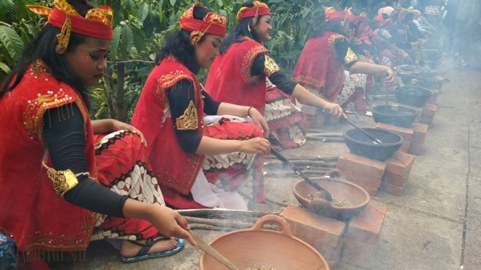 Festival Kopi Magelang - Menyeruput Seribu Cangkir Kopi Asli Banjarsari