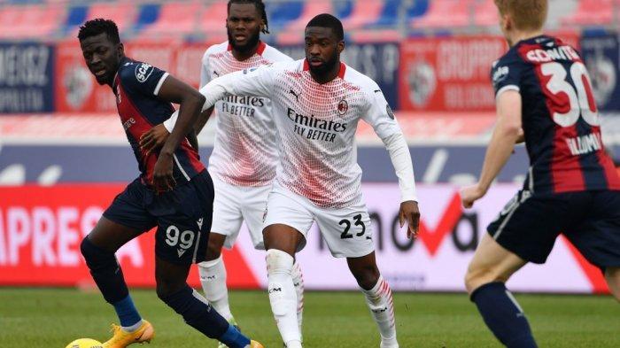 Fikayo Tomori dan Musa Barrow di Liga Italia Serie A Bologna vs AC Milan pada 30 Januari 2021 di stadion Dall'Ara di Bologna.