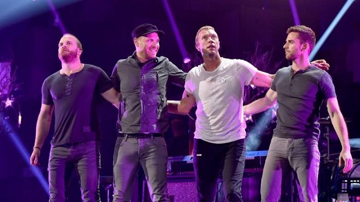 Lirik Lagu Everglow Coldplay