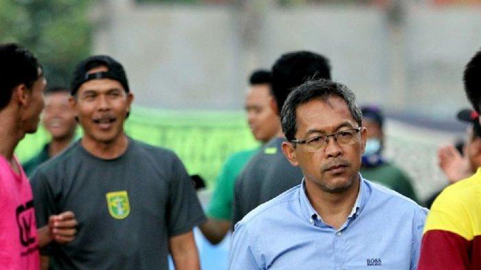Aji Santoso Fokus Benahi Mental Pemain Jelang Laga Persebaya vs Bhayangkara FC