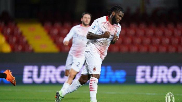 Franck Kessie setelah mencetak gol dari titik penalti saat Benevento vs AC Milan