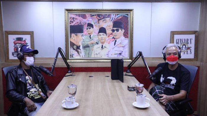 Momen saat Ganjar Pranowo Mendadak Jadi Penyiar Radio di Hari Radio Nasional