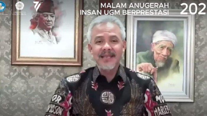 Ganjar Pranowo Raih Penghargaan Sebagai Insan Berprestasi dalam Pengabdian kepada Masyarakat
