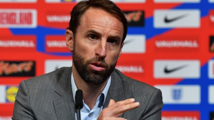 Pelatih Inggris Pernah Hindari dengar Lagu Football's Coming Home. Ini Alasannya