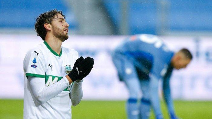 Gelandang Sassuolo, Manuel Locatelli di sebut disebut bisa kembali ke AC Milan