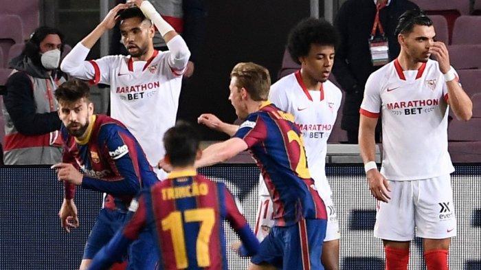 Gerard Pique merayakan gol kedua di semifinal Copa del Rey (Piala Raja) Spanyol FC Barcelona vs Sevilla FC di stadion Camp Nou di Barcelona pada 3 Maret 2021.