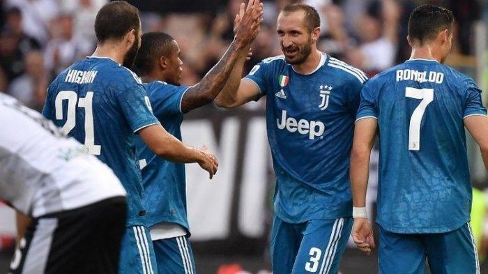 Giorgio Chiellini dan Gianluigi Buffon Perpanjang Kontrak Bersama Juventus Setahun Lagi