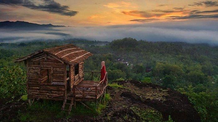 Mengejar Moment Matahari Terbit di Gunung Ireng, 7 Foto Ini Buktikan Pesona Gunungkidul nan Menawan