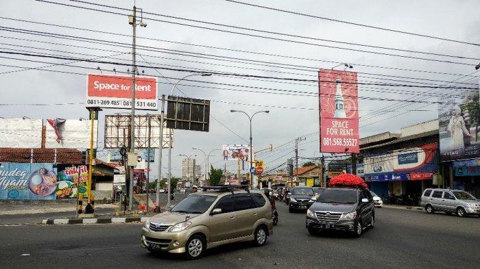 H-2 Lebaran, Arus Mudik Kendaraan di Simpang Maguwoharjo Terpantau Lancar Sore Ini