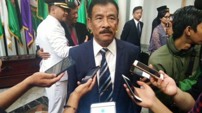 Hadiri Pelantikan Anaknya jadi Wakil Bupati, Manajer Persib Bandung Kecopetan