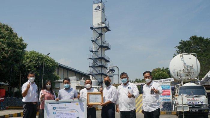 Manajemen PLN Unit Induk Distribusi Jawa Tengah & D.I. Yogyakarta terjun langsung untuk menyapa beberapa pelanggannya