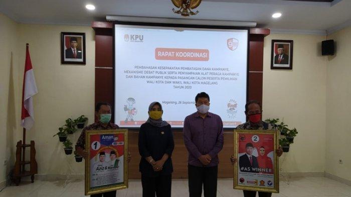 Hari Pertama Masa Kampanye, KPU Kota Magelang Serahkan Alat Peraga Kampanye kepada Paslon
