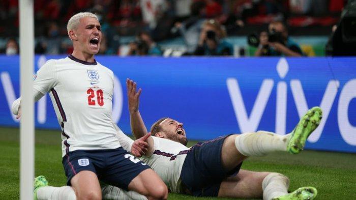 Selebrasi Harry Kane usai mencetak gol kemenangan Inggris atas Denmark pada semifinal Euro 2020 di Stadion Wembley, London, Kamis (8/7) dini hari WIB.