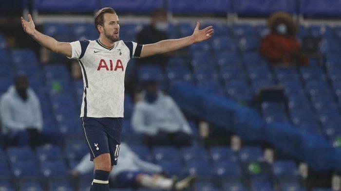 Striker Tottenham Hotspur Inggris Harry Kane mengajukan banding selama pertandingan sepak bola Liga Premier Inggris antara Chelsea dan Tottenham Hotspur di Stamford Bridge di London pada 29 November 2020.
