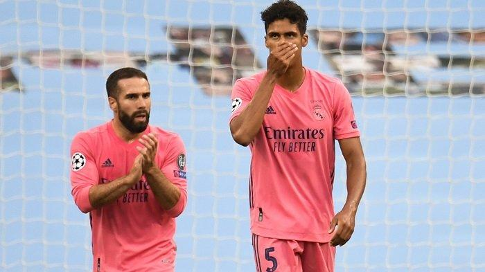 Reaksi Raphael Varane setelah Raheem Sterling mencetak gol pertama