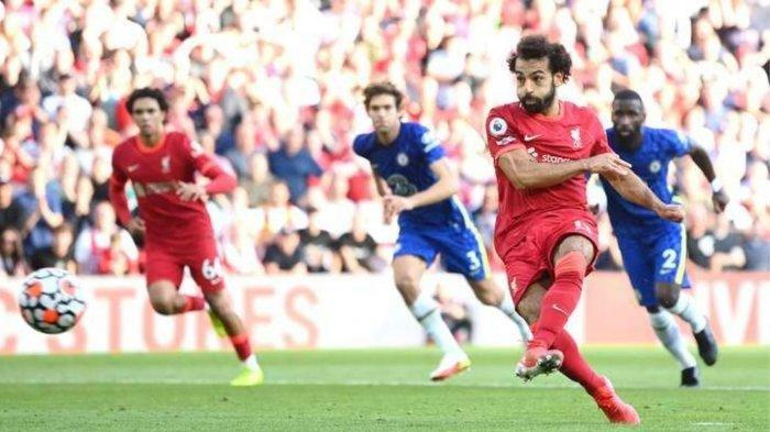 Mo Salah saat menyamakan kedudukan pada laga Liverpool vs Chelsea, Minggu (29/8/2021)