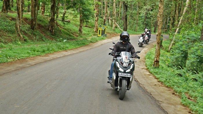 Honda ADV Urban Exploride Yogyakarta Jelajahi Kawasan Wisata Imogiri