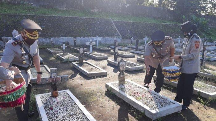Hormati Para Pendahulu, Polres Magelang Ziarah ke Makam Pahlawan