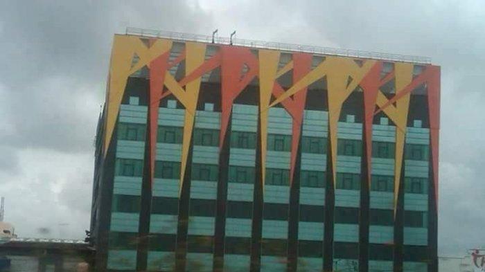 Tengku Zulkarnain Sebut Ornamen Gedung Alexis Mirip PKI, Begini Tanggapan Netizen