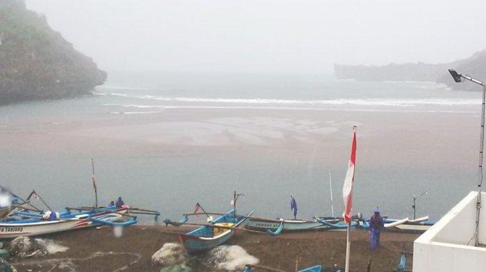 Hujan Deras, Warga Tanjungsari Mulai Tampung Air