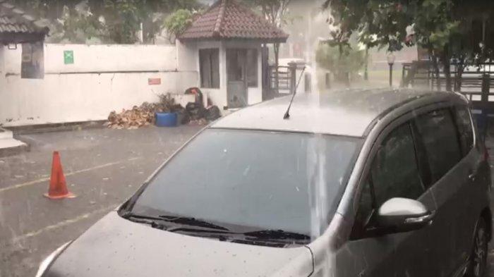Hujan Es di Yogyakarta Disertai Angin Kencang