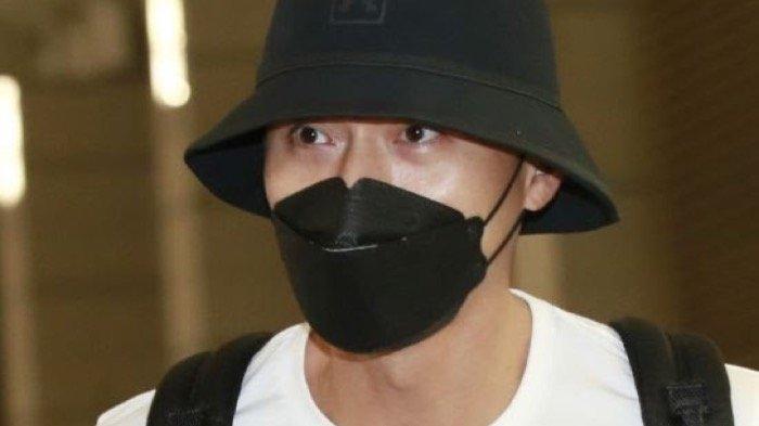 Hyun Bin tiba di Bandara Internasional Incheon pada Sabtu (12/9/2020) setelah menyelesaikan syuting film terbarunya di Yordania