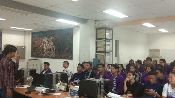45 Mahasiswa Ilmu Komunikasi UNITRI Malang Berkunjung Ke Tribun Jogja