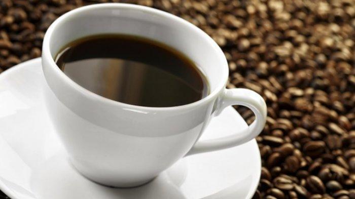 Secangkir kopi hitam