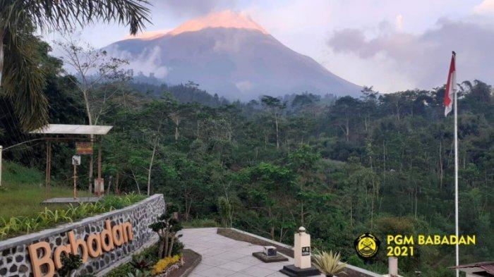 Merapi Keluarkan Lima Kali Guguran Lava Pijar Sejauh 1,7 Km