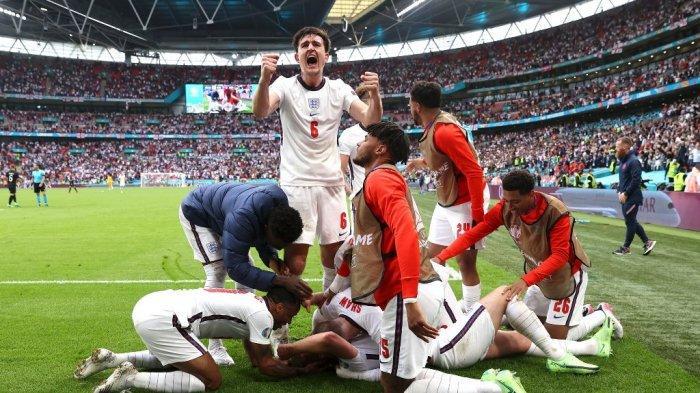 Ekspresi kegembiraan penggawa Inggris menyambut gol kedua yang dicetak Harry Kane pada laga lawan Jerman di babak 16 besar Euro 2020 di Stadion Wembley, London, Inggris, pada Selasa (29/6/2021) malam WIB.