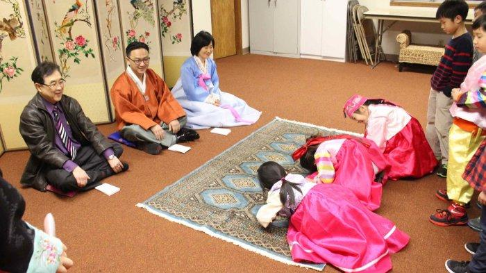 Intip Cara Orang Korea Merayakan 'Seollal' atau Tahun Baru Imlek yang Akan Datang